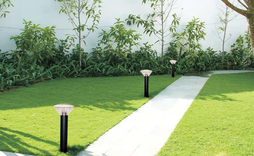 Lưu ý quan trọng khi mua đèn cây trang trí cho sân vườn