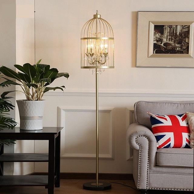 Đèn cây phòng khách nhập khẩu – chất lượng vượt trội